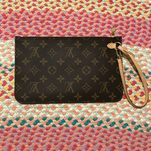 Louis Vuitton 2019 Neverfull monogram pouch NEW
